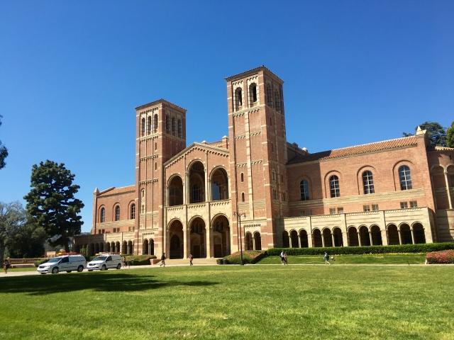 アメリカの大学校舎
